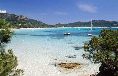Foto della spiaggia di Palombaccia, proprio di fronte alla Toscana, ma in Corsica ;)